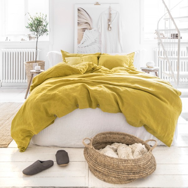 Moss yellow linen bedding
