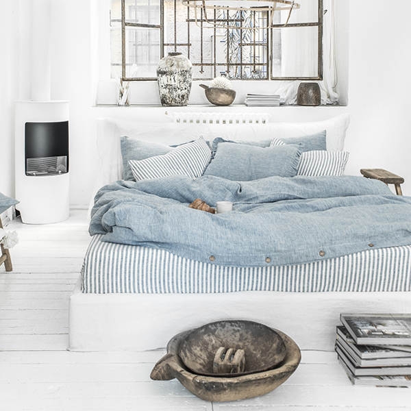 Blue melange linen bedding