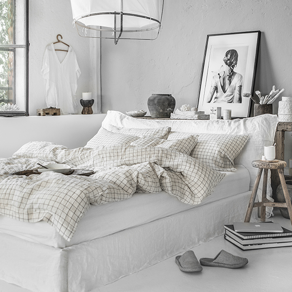 Charcoal grid linen bedding