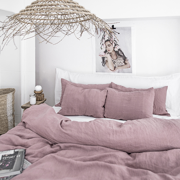 Woodrose linen bedding