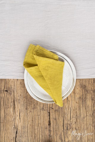 Moss yellow linen napkin set