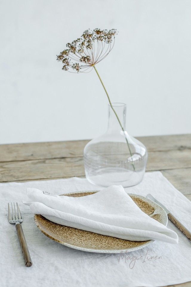 White linen napkin set of 2