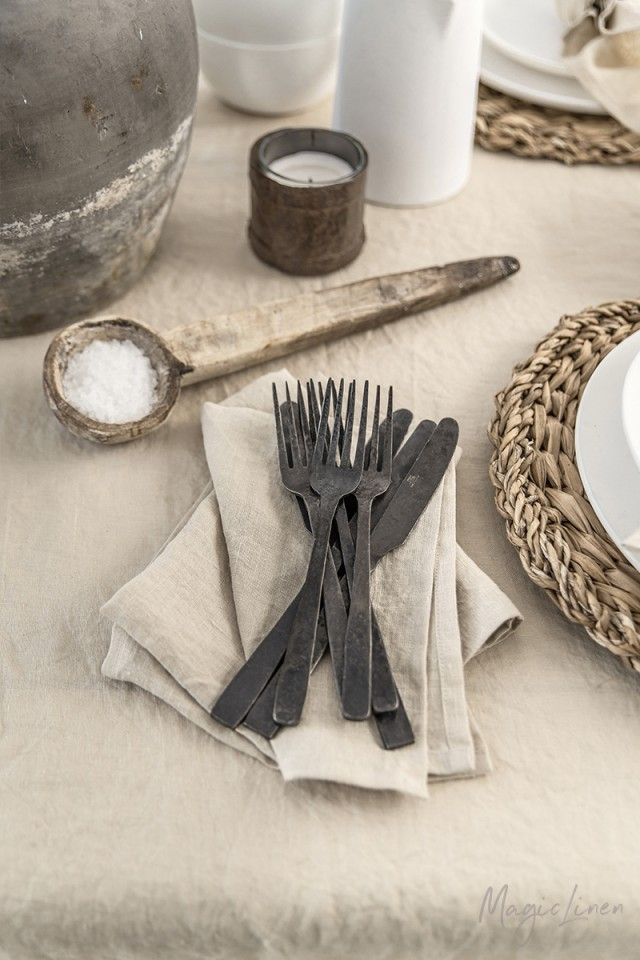 Natural linen napkin set