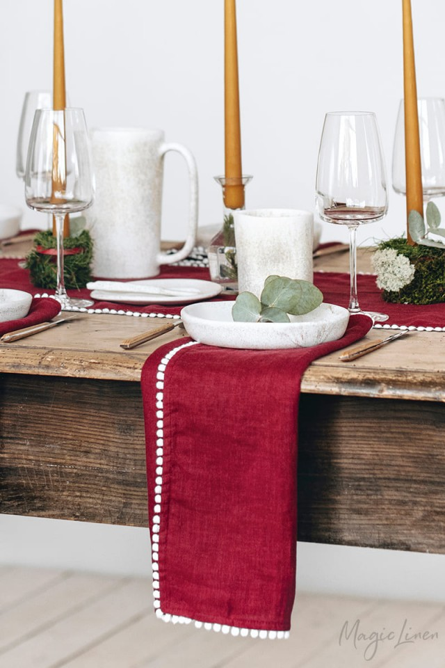 LIMITED EDITION Red Pom Pom Trim Linen Napkin Set