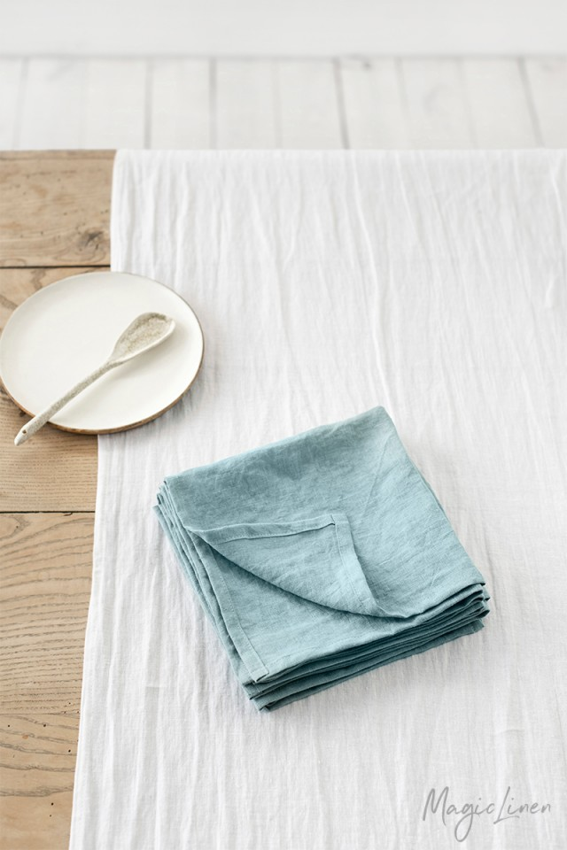 Aquamarine blue linen napkin set