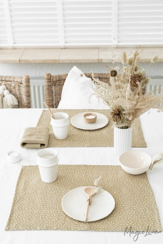 Polka dots linen placemat set of 2