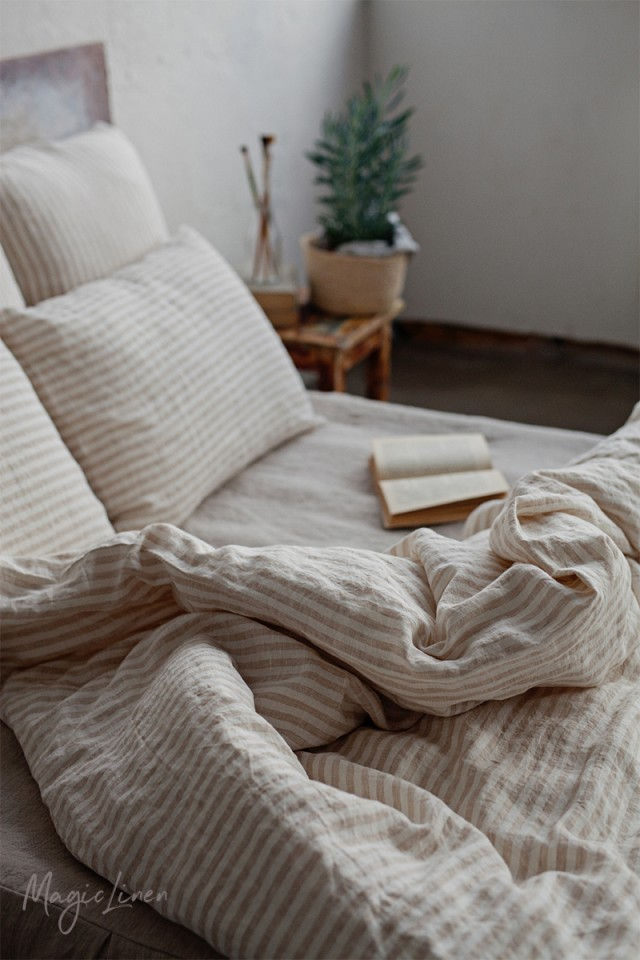 Striped in natural linen duvet cover