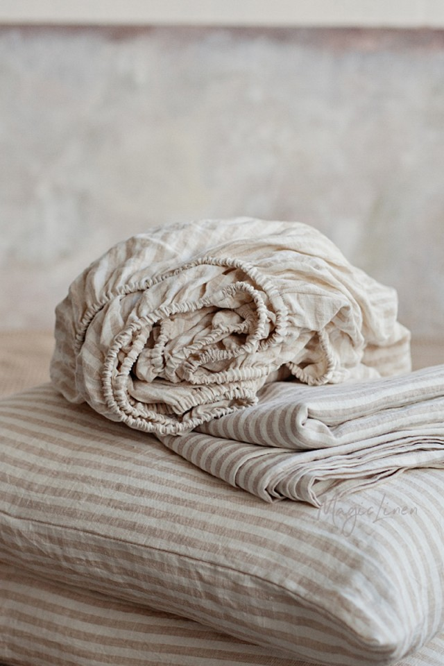 Striped in natural linen fitted sheet