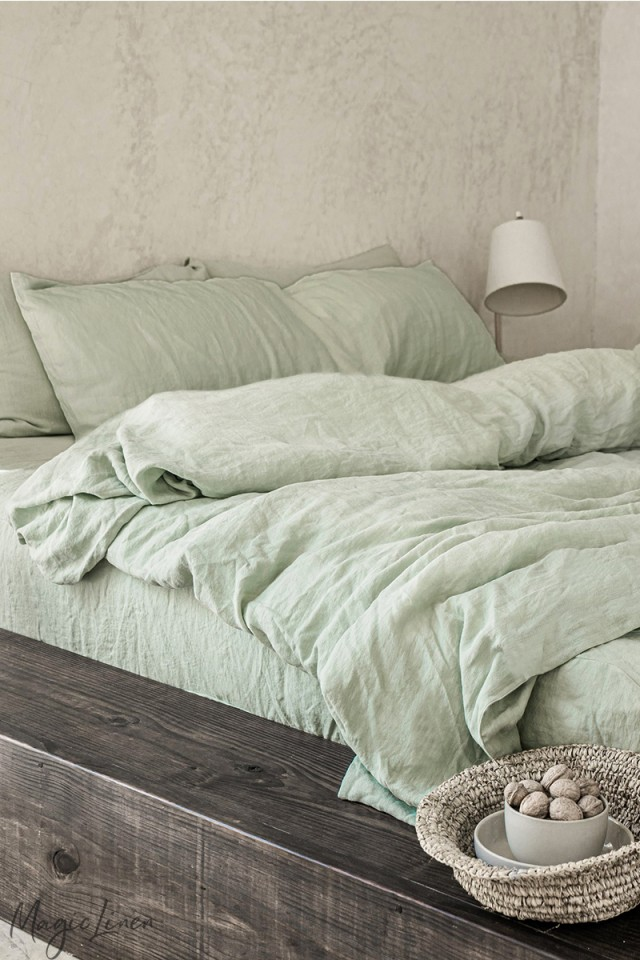 Sage green linen sheet set (4 pcs)