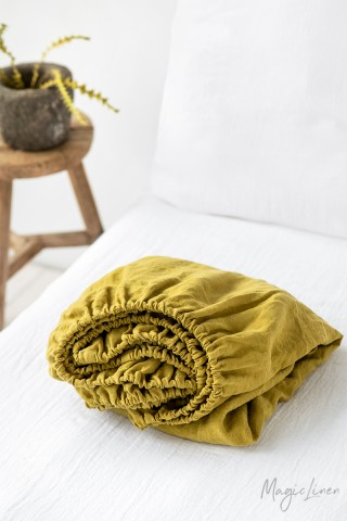 Moss yellow linen fitted sheet