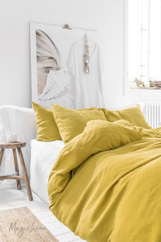 Moss yellow linen pillowcase