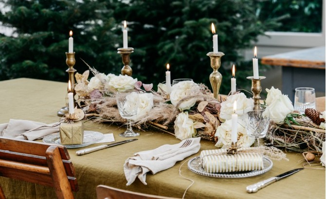 Expert advice on how to style your Christmas table this holiday season