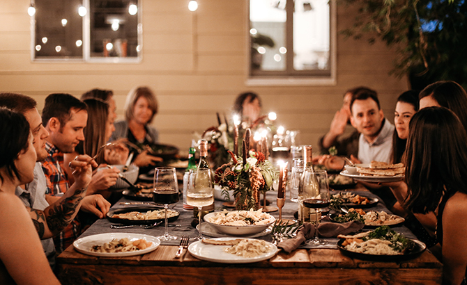 Simple Steps to Hosting a Memorable Friendsgiving Dinner